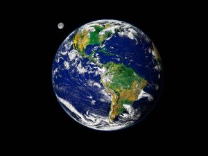 blue_earth_and_moon_wallpaper-normal